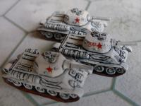 Soviet T-34s in winter camo